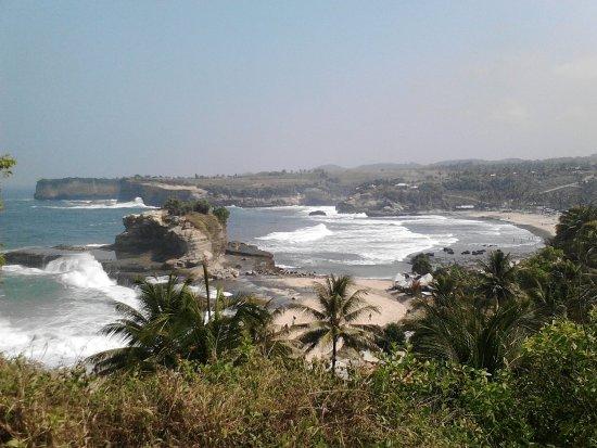 Pantai klayar pacitan  Picture of Klayar Beach, Pacitan  TripAdvisor
