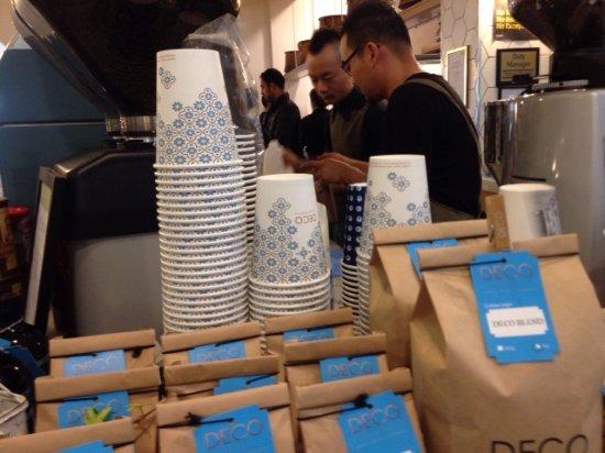 Titirangi, Nowa Zelandia: テイクアウトのカップもかわいい