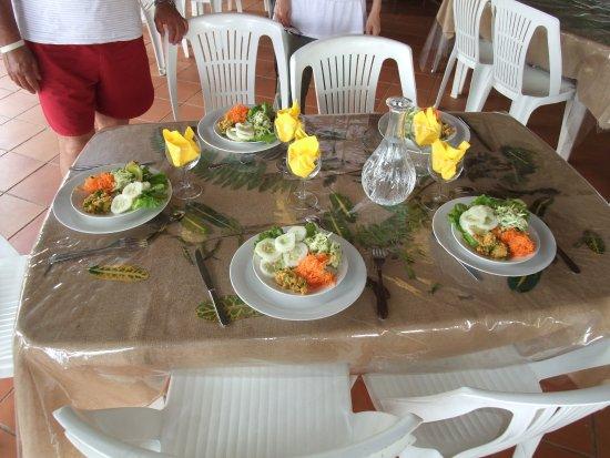 Le hameau du morne des cadets fonds saint denis restaurant reviews phone number photos - Table jardin hexagonale saint denis ...