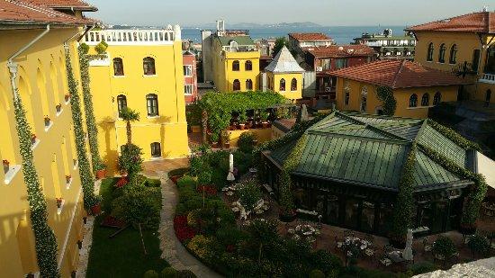 Four Seasons Hotel Istanbul at Sultanahmet: 20160618_223853_large.jpg