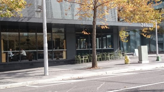 332 Manhattan Cafe Photo