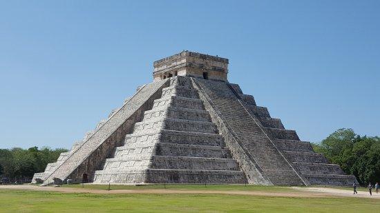 pyramid of Kukulkan - รูปถ่ายของ ชิเชนอิทซา, Chichen Itza ...