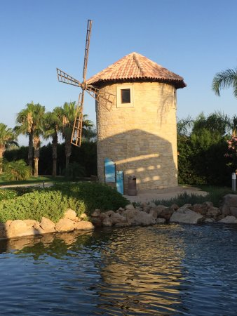 Olympic Lagoon Resort: photo1.jpg
