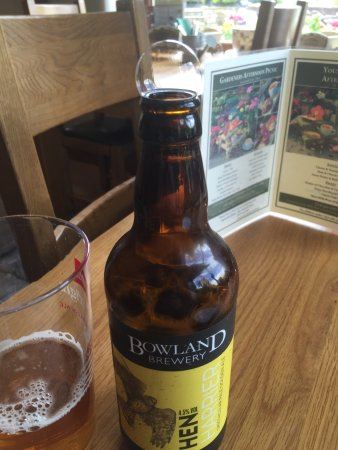 Bolton by Bowland, UK: Beer does not always come with a bubble!
