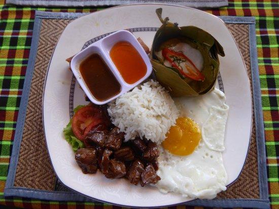 Nary Kitchen: Repas typiquement khmère qu'on a cuisiné : 4 préparations + dessert (qui n'est pas sur la photo)