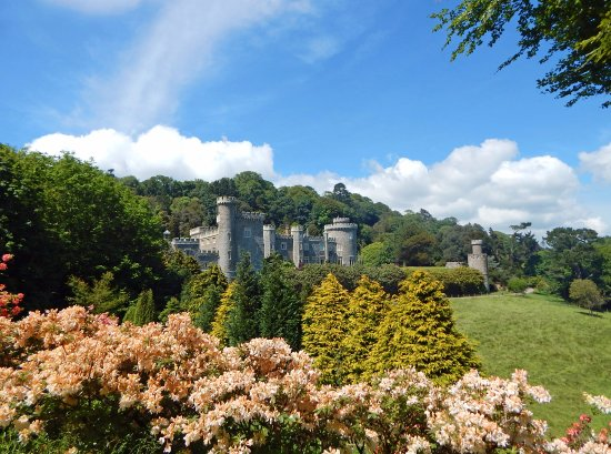 Caerhays, UK: Castle