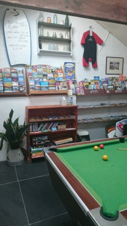 Marhamchurch, UK: Indoor play area with pool table, soft play and informtion area.