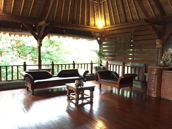 Great location, beautiful villa