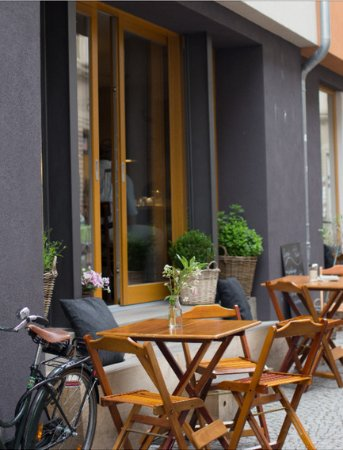 Fama - Café & Bücher
