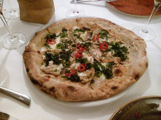 Risultati immagini per immagine pizza con le sarde e mugnoli