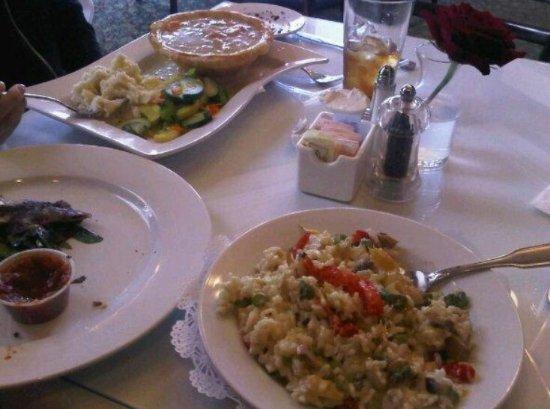 Bethel, CT: Putnam House Restaurant & Tap Room