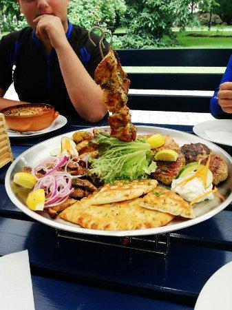 Pisek, Tschechien: Jídlo vynikající, obsluha příjemná, velký výběr.