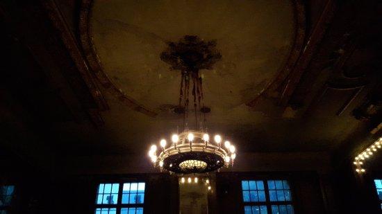 Lampadario Allaperto : Allaperto picture of clarchens ballhaus mitte berlin tripadvisor