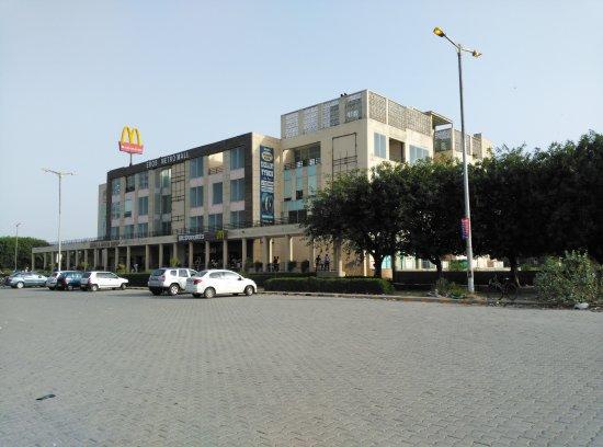 Eros Metro Mall
