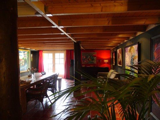 Eethoek In Woonkamer : Woonkamer met eigen ingang openslaande terrasdeuren en ruime