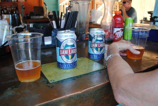 Moneta, Βιρτζίνια: Having a Dam Lager @ Mango's bar