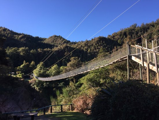 ‪Buller Gorge Swingbridge Ltd‬