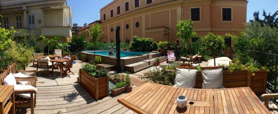 Palm Gallery Hotel: Panoramica