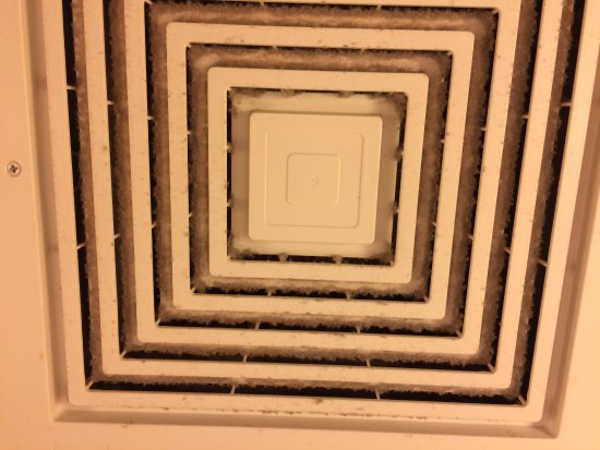 Holiday Inn Express Hotel & Suites Kalispell: Very dusty vent cover