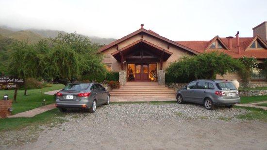 Hotel y Duplex Rincon del Valle: Frente del Hotel.