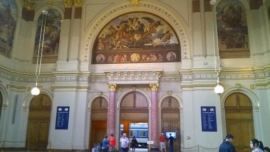 Budapest Western Railway Station: Hall d'entrée
