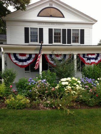 Chatham Gables Inn: Dressed for July 4th