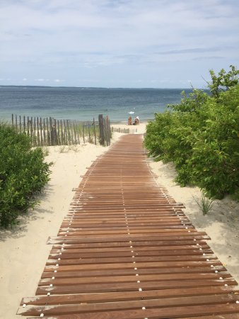 West Tisbury, MA: Lambert's Cove Beach