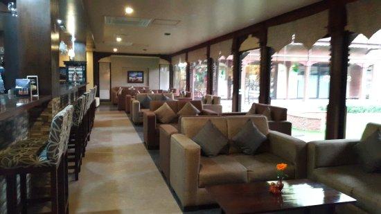 Gokarna Forest Resort: bar area
