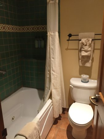 Old Santa Fe Inn: photo1.jpg