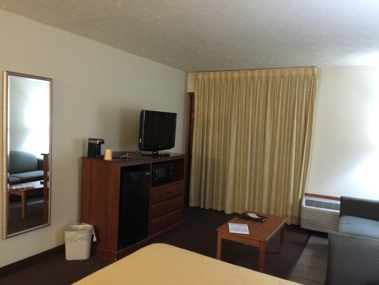 Quality Inn & Suites at Dollywood Lane: photo0.jpg