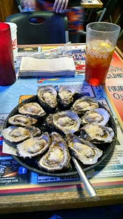 Baked oysters with parmesan cheese