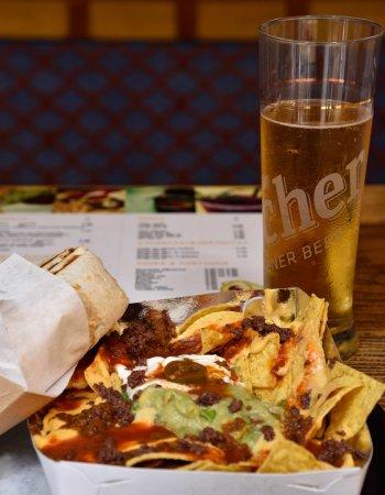 Sabroso nachos, burrito chili con carne and beer