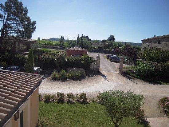 Hotel La Bastide d'Iris: Vue de la chambre Soleil
