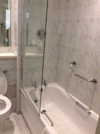 Galway Bay Hotel: photo1.jpg