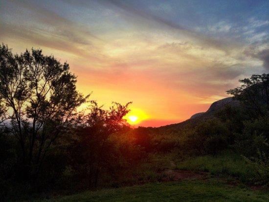 Magaliesburg, Güney Afrika: Sunset At Phefumula - Gorgeous