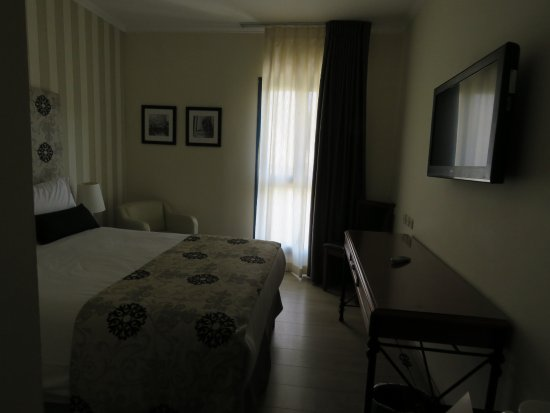 Eldan Hotel: Very small room