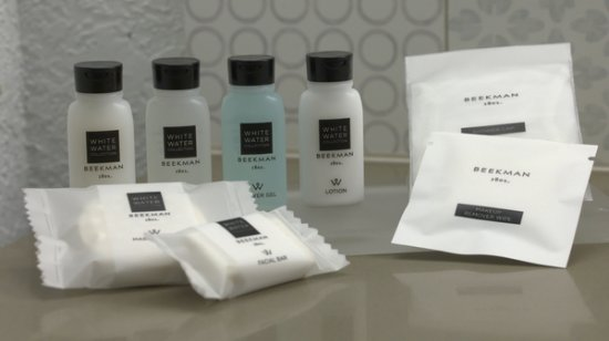 Country Inn & Suites By Carlson, Albany: Guest Bathroom Amenities