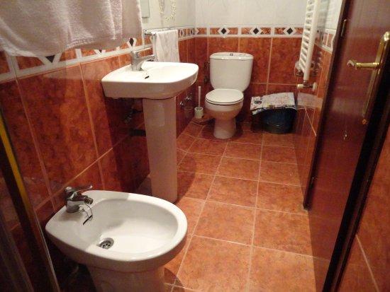 Hotel Canton: Ванная комната,всё работало