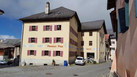 Sent, Svizzera: Pensiun Plaz from the village square