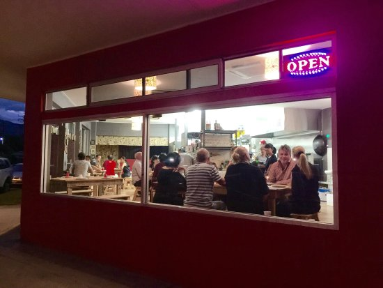Edge Hill, Australien: 03/07/16. Dinner Time.....