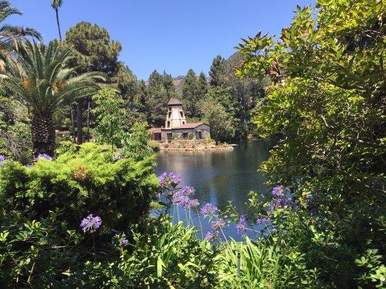 Lake Shrine Temple and Retreat