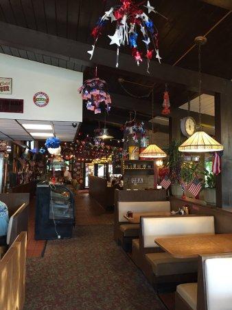 Wayne's Red Apple Restaurant and Inn