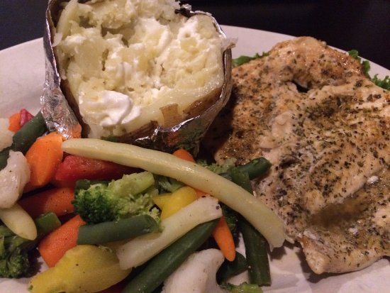 Arlington, TN: Grilled Chicken, Potato, and Steamed Vegetables