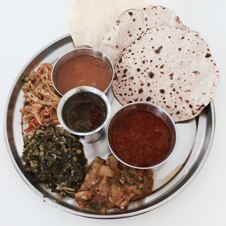 The Ganga Cafe: ayurvedic chapati thali