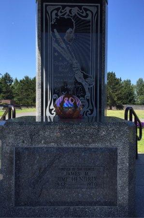 Jimi Hendrix Grave Site: photo0.jpg