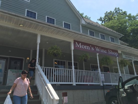 Mom's Wine Shop