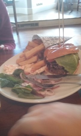 Breaffy House Resort: burger and chips