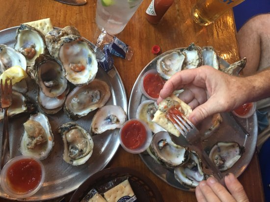 Neptune Beach, FL: Raw Oysters from Sliders