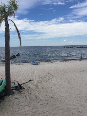 Ruskin, FL: Beach at Sunset Grill