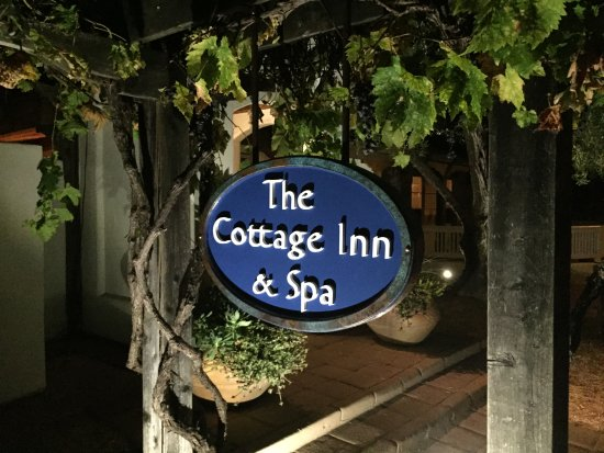 The Cottage Inn & Spa: Sign